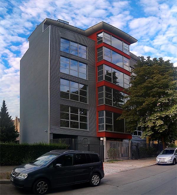 Alpha Research Deutschland GmbH - Goslarer Platz 7 10859 Berlin
